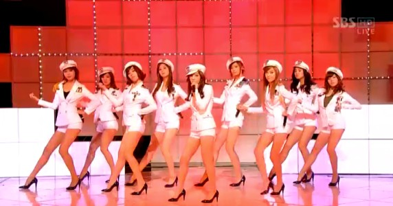 http://feedyaluvkorean.files.wordpress.com/2009/06/20090628_snsd_comeback2nd_572.jpg